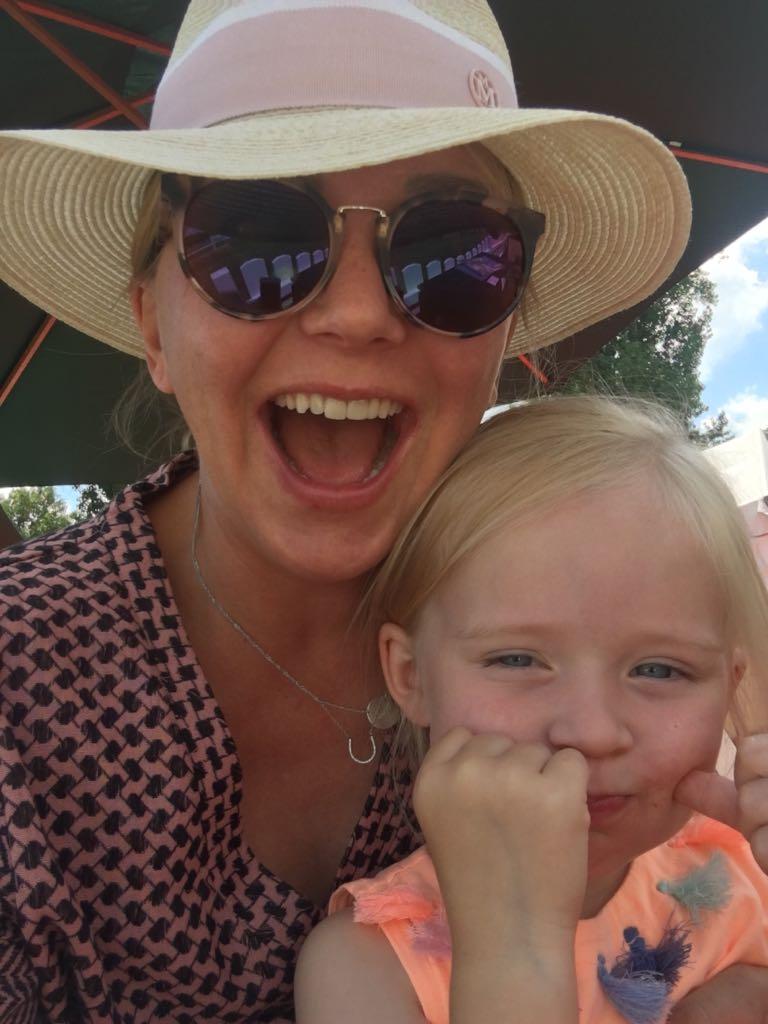 Dr. Natalie Jarck mit Tochter Amelie